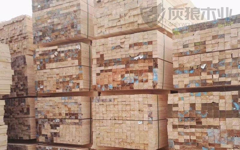 常用的建筑木方实拍